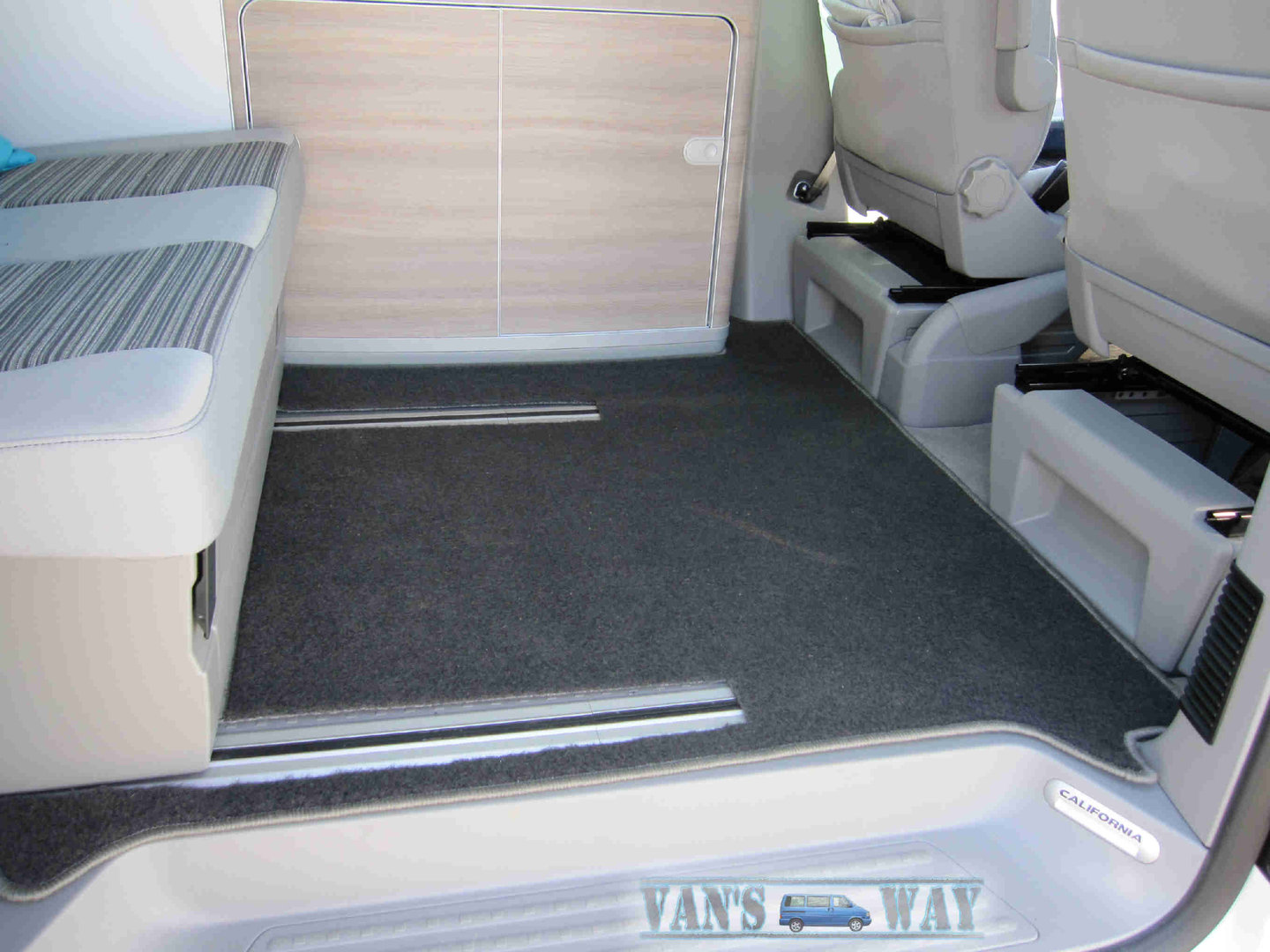 ensemble tapis vw t5 t6 california 2 rails gris. Black Bedroom Furniture Sets. Home Design Ideas